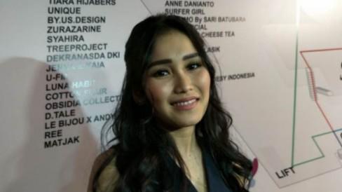 Denny Darko Sebut Karir Ayu Ting Ting Akan Hancur & Singgung Masa Lalu