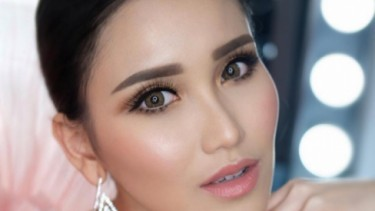 Posting Foto Dengan Aktor ini, Paras Ayu Ting Ting jadi Top Komentar!