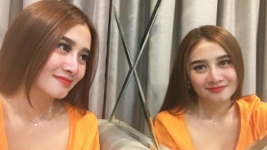 Lia 'Trio Macan' Selfie Bareng Aktor 'Descendants of the Sun'!