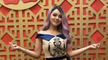 Tampil dengan Dress Super Pendek, Jenita Janet Bikin Penasaran