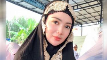 5 Potret Pedangdut Cantik, Pakai Hijab Tampil Lebih Pangling