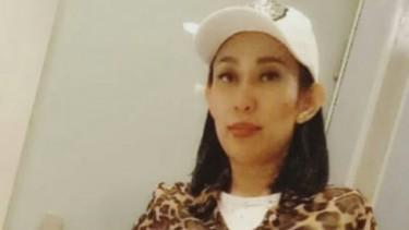 Dewi Sanca Nekat Umbar Foto Pose Vulgar