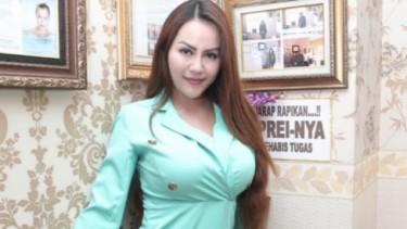 Nungging Di Ranjang, Nita Thalia Seksi Abis!