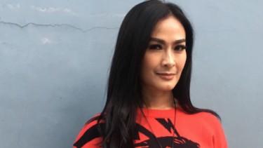 Iis Dahlia Geram Suaminya Dituduh Ikut Korupsi di Garuda Indonesia