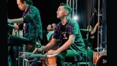 Putar Lagu 'Januari', Dory Harsa: Karyamu Abadi Sepanjang Masa