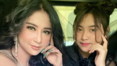 Tudingan 'Keras' Saat Cantiknya Dewi Perssik Selfie Bareng Lebby