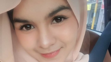 Menguak Sosok Neng Nada Wanita Cantik di Antara Rizki Ridho