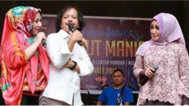 Pecah, Caca Handika Manggung Bareng Evie Tamala & Camelia Malik!