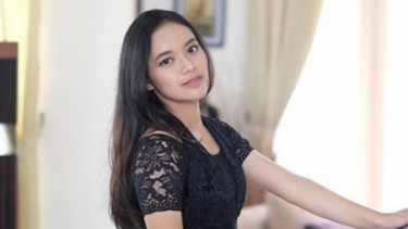 Mengenal Yunia Syahrie, Putri Cantik Pedangdut Ira Swara
