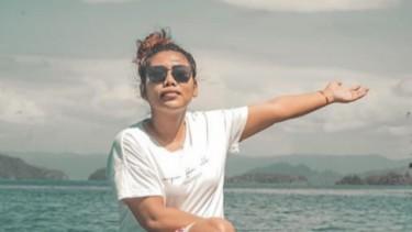 Evi Masamba, Juara Ajang Pencarian Bakat hingga Siap Jadi Bupati
