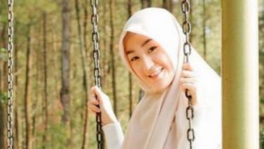 Ribut sama Ibu Alvin, Larissa Chou Puji Istri Kedua Alm Arifin Ilham