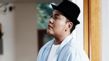 Denis Chairis Cerita Tentang TKI di Hongkong Lewat Lagu