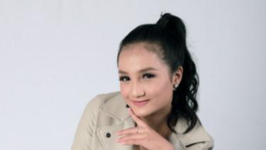 Penyanyi Cantik Aurel Dewanda Siap Rilis Single Baru