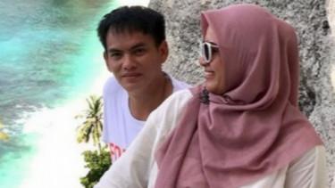 Potret Kemesraan Ikke Nurjanah dengan Suami Bikin Iri